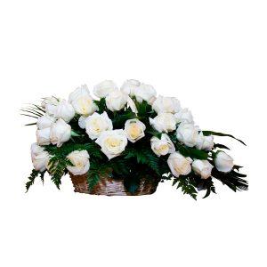 Canasta rosas blancas